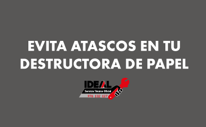 ¿Cómo evito atascos de papel en mi destructora IDEAL?